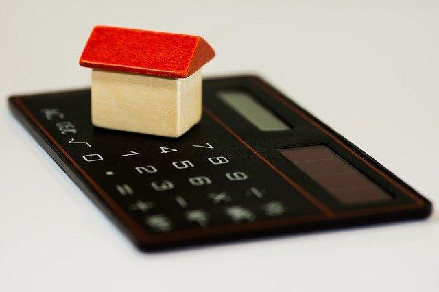 Kalkulačka s domem